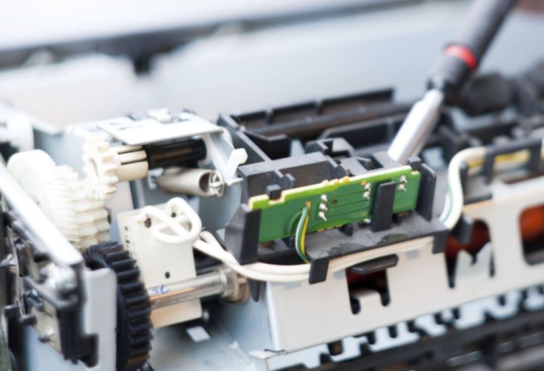Извлечение посторонних предметов из принтера